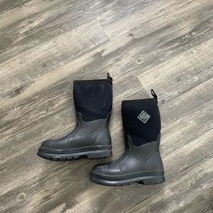 Kids muck boots